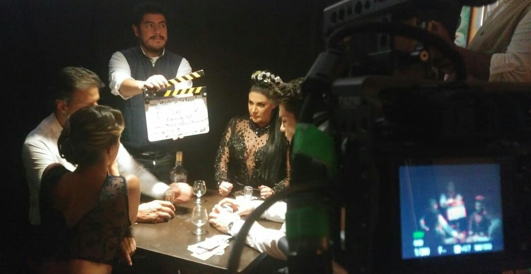 En Filmación Video de AlejandraÁvalos